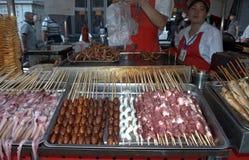 Рынок ночи Donghuamen, Пекин, Китай Стоковое Изображение