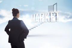 Рынок против белых шагов водя к открыть двери Стоковая Фотография