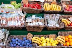 Рынок плодоовощ на улице Стоковое Изображение RF