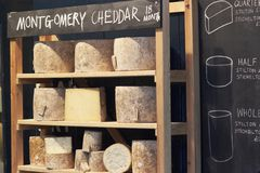 рынок сыра города Стоковое фото RF