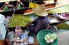 рынок Таиланд amphawa плавая стоковая фотография rf
