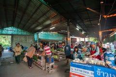 Рынок ЧИАНГМАЯ в утре стоковые фотографии rf