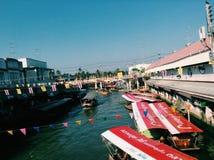 рынок amphawa плавая стоковое фото rf