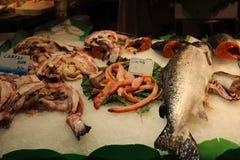 Рынок Boqueria морепродуктов в Барселоне Стоковые Изображения