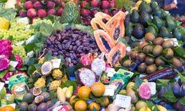 Рынок Boqueria La с овощами и плодоовощами Стоковая Фотография
