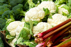 рынок cauliflowers свежий Стоковые Фото