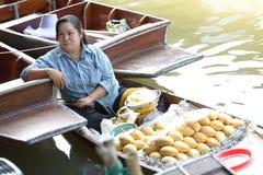 Рынок Damnoen Saduak плавая Стоковое Изображение