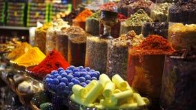Рынок Souk специи Дубай вечером, ОАЭ видеоматериал