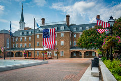 Рыночная площадь и здание муниципалитет, в старом городке, Александрия, Вирджиния Стоковые Фотографии RF