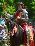Рыцарь биться на фестивале ренессанса стоковая фотография rf