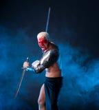 Рыцарь с шпагой Стоковые Изображения