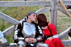 Рыцарь с ladylove Стоковая Фотография