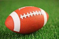 рэгби травы шарика Стоковая Фотография RF