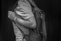 Рюкзак нося женщины Стоковое Изображение RF