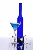 рюмки зеркала 2 бутылки Стоковые Изображения RF