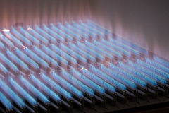 рядки красного цвета голубых пламен Стоковое Изображение