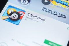 Рязань, Россия - 19-ое апреля 2018 - бассейн передвижной app 8 шариков на дисплее ПК таблетки Стоковые Изображения RF