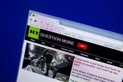 Рязань, Россия - 16-ое апреля 2018 - домашняя страница России вебсайта сегодня на дисплее ПК, url - rt com стоковые изображения