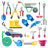 Садовничающ и обрабатывающ землю инструменты и оборудование, установленные значки вектора Иллюстрации земледелия бесплатная иллюстрация