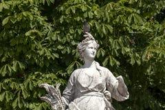 Сады Тюильри весны перед дворцом жалюзи, Парижем стоковые фотографии rf