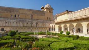 Сады форта Amer, Джайпура, Раджастхана, Индии стоковые изображения