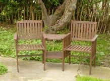 сад стулов woden стоковые фотографии rf
