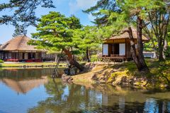 Сад травы Oyakuen целебный в городе Aizuwakamatsu, Фукусимы, Японии Стоковые Изображения RF