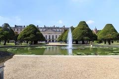 Сад фонтана дворца Хэмптона Корта, Великобритания Стоковая Фотография