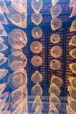 САЙГОН, ВЬЕТНАМ - 13-ое февраля 2018 - спиральный ладан вставляет смертную казнь через повешение от потолка в пагоде Thien Hau, п Стоковые Изображения RF