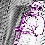 Саксофонист на предпосылке зданий города Стоковые Изображения RF