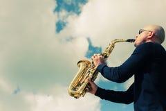саксофонист стоковая фотография rf