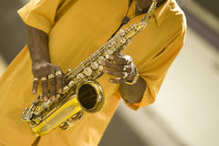 саксофон игрока Стоковое фото RF