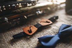 Саксофон, оборудование аппаратуры духового оркестра Стоковое фото RF