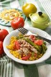 Салат зеленых фасолей, мозоли, томата и тунца Стоковые Фото