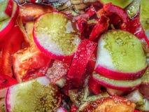 Салат лета здоровый с солью и маслом стоковое фото rf