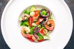 Салат морепродуктов итальянский ресторан меню открытый космос стоковая фотография