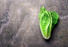 Салат на таблице камня кухни Стоковая Фотография RF