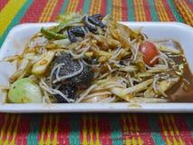 Салат папапайи, тайская традиционная еда Стоковое фото RF
