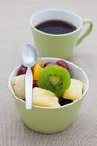 салат плодоовощ кофе завтрака здоровый Стоковые Фотографии RF