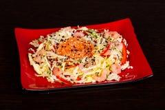 Салат с семгами и креветкой стоковые изображения rf