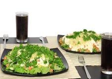 Салат с шримсами. Изолировано стоковые изображения rf