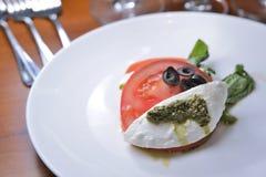 Салат томата Burrata стоковое изображение