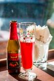 Салфетки пива плодоовощ и стекла пива и бумажных Стоковая Фотография RF