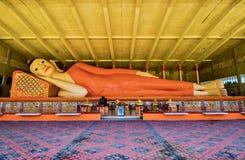 Самая большая возлежа статуя Будды на Wat Phothivihan Tumpat Kelantan Малайзии принял 10 /2/2018 Стоковое Фото