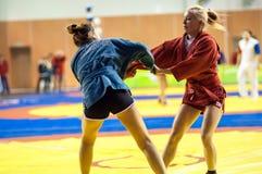 Самбо или самозащита без оружий. Девушки конкуренций. Стоковые Фотографии RF