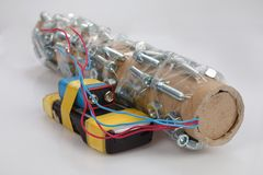 Самодельная бомба с прибором включения сотового телефона стоковое изображение rf