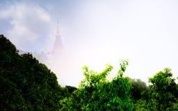 Самое высокое место в Таиланде, большой пагоде в национальном парке Doi Inthanon Стоковая Фотография RF