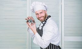 Самое лучшее от шеф-повара шеф-повар готовый для варить Профессионал в кухне r повар в ресторане, форме стоковая фотография