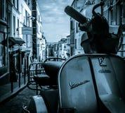 Самокат Vespa в Париже Стоковое Изображение RF