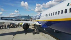 Самолеты на авиапорте Стоковые Фотографии RF